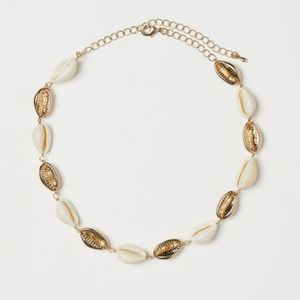H&M Small Cowrie Shells Necklace